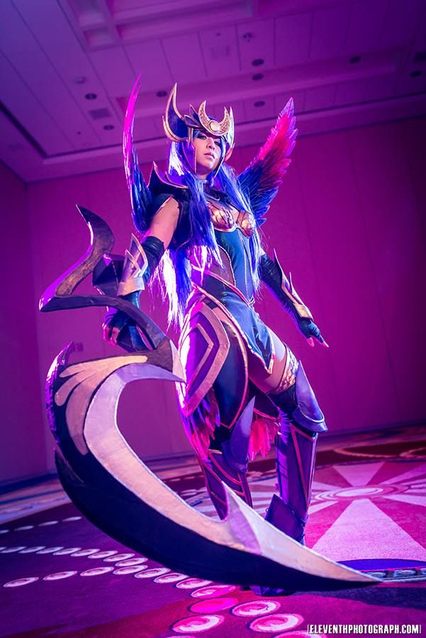 Dark Valkyrie Diana From League of Legends Cosplayer Vickybunnyangel Cosplay Facebook https://www.facebook.com/Vickybunnyangel Photo by http://www.eleventhphotograph.com/