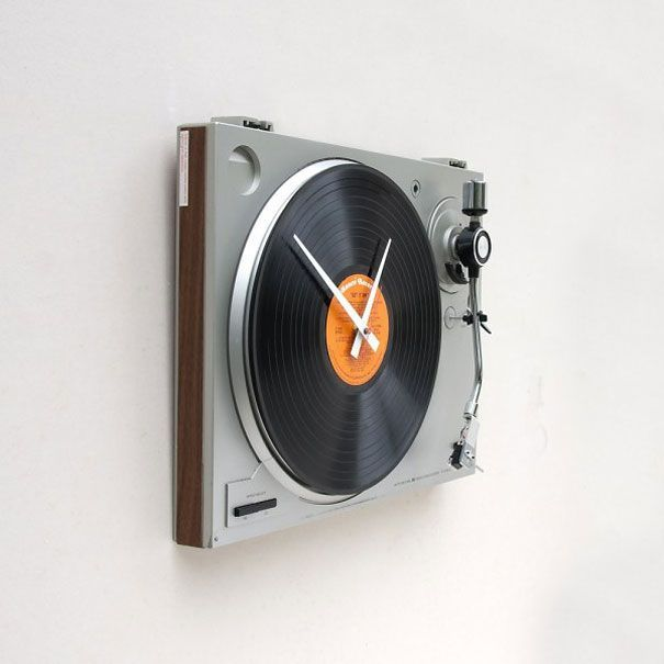 """the-design-nerd: """" This clock was created using a recycled Sanyo turntable and a Ronco's Greatest Hits album titled """"Get It On"""" which is replaceable. (Designed by pixelthis) Found here """""""