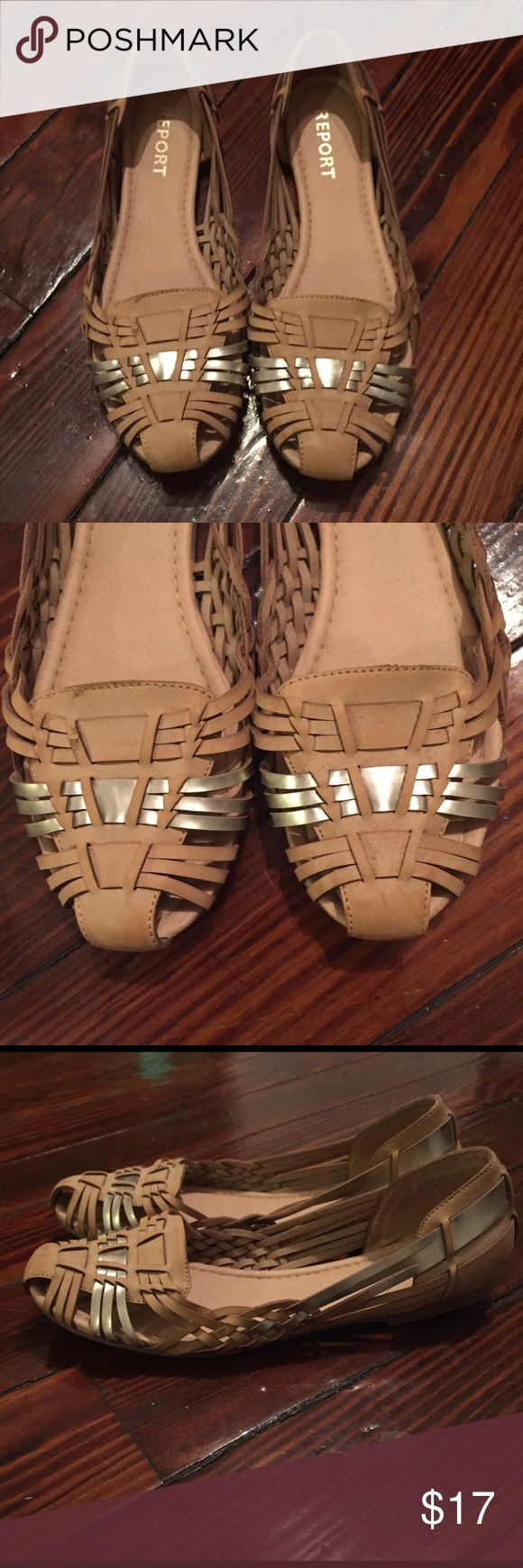 Report Womens Yannick Woven Sandal Tan/Silver 8.5 Report women's Yannick open woven sandal shoes  in tan with metallic silver accent in size 8.5. Barely used, in excellent condition! Report Shoes Sandals