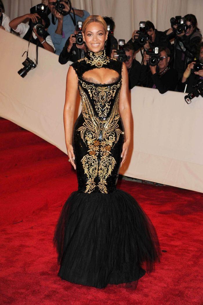 2011 beyonce, beyonce tapis rouge, beyonce red carpet, beyonce robe, beyonce look, beyonce met gala, beyonce met ball 2011, beyonce 2011