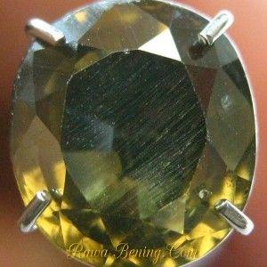 Batu Permata Oval Greenish Yellow Zircon 2.22 carat www.rawa-bening.com