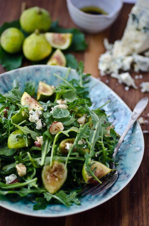 Arugula, fig and blue cheese salad