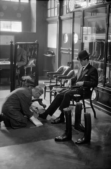 Shoe shop in the Regent Street - 1959. London, Shoe Shine