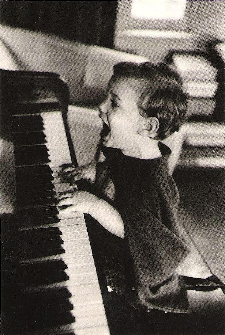 Jacques Lowe - The Joy of Music, N.Y.C., 1960Music, Kids Plays, Kids Pics, Singing, The Piano, Black White, Jacques Low, Children, Little Boys