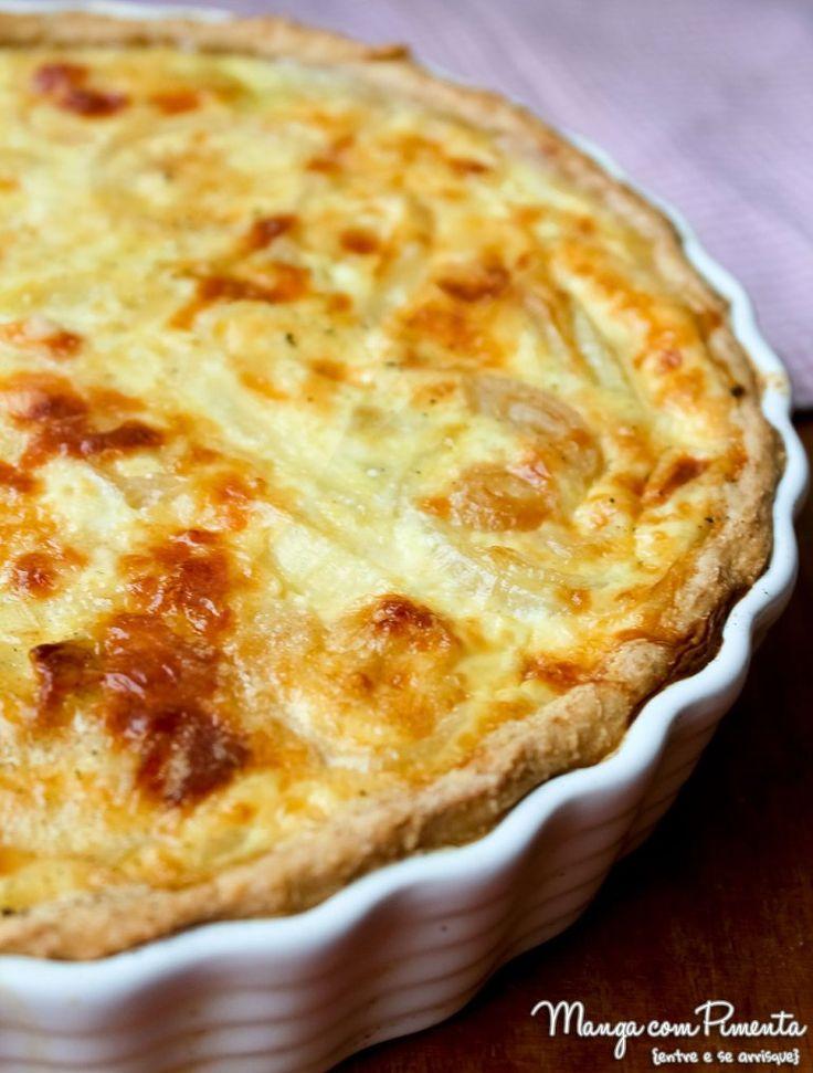 Torta de Cebola - perfeito para o Almoço de Páscoa. Clique na imagem para ir ao Manga com Pimenta e conferir a receita.