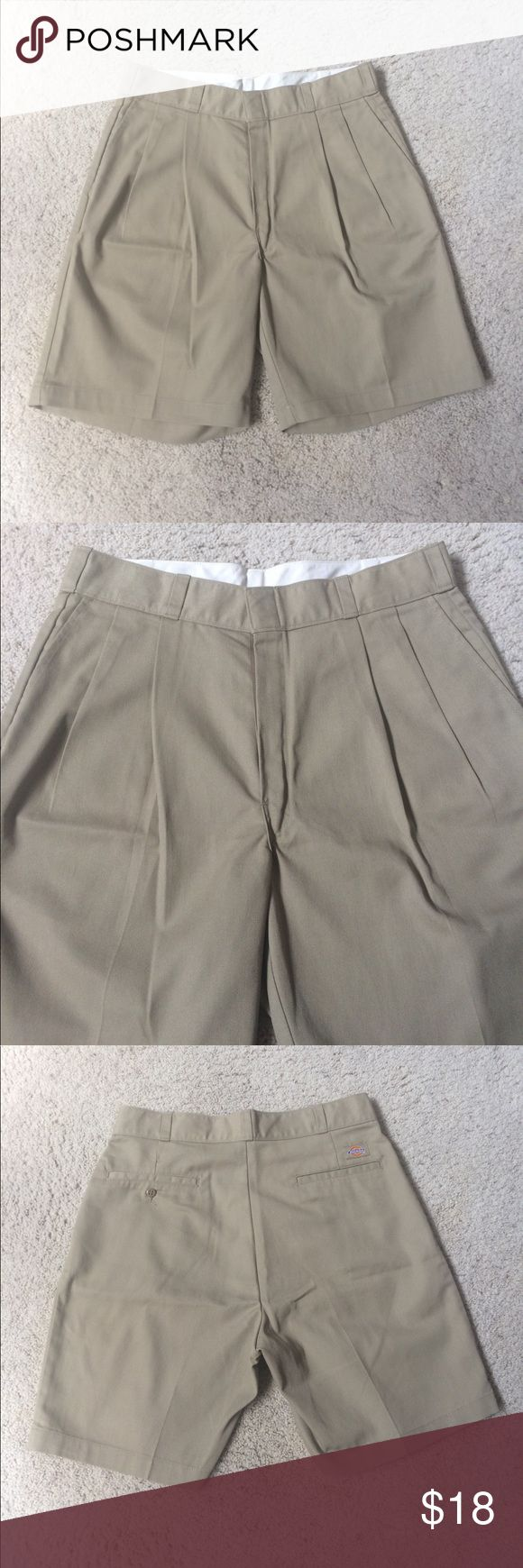 Dickies Pleated Front Tan Shorts Waist Size 33 Dickies Men's Pleated Front Tan Colored Shorts. Waist size 33. Made in Nicaragua. Are in very gently used condition, barely any wear. No stains or rips. Measurements- WAIST: 16.5 in. LENGTH: 20.5 in. INSEAM: 8 in. RISE: 12.5 in. If you have any questions please don't hesitate to ask! Dickies Shorts