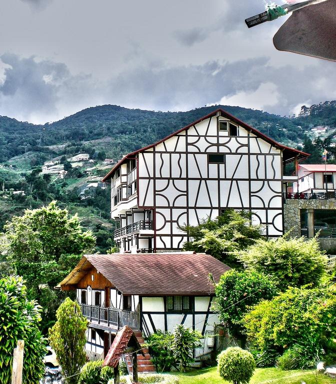 Alpes? ¡NO! Alemania? Suiza? NO ... Venezuela !! Colonia Tovar es un pequeño pueblo de origen alemán que conserva todas las tradiciones de la lengua germánica #Turismo #Venezuela!!!