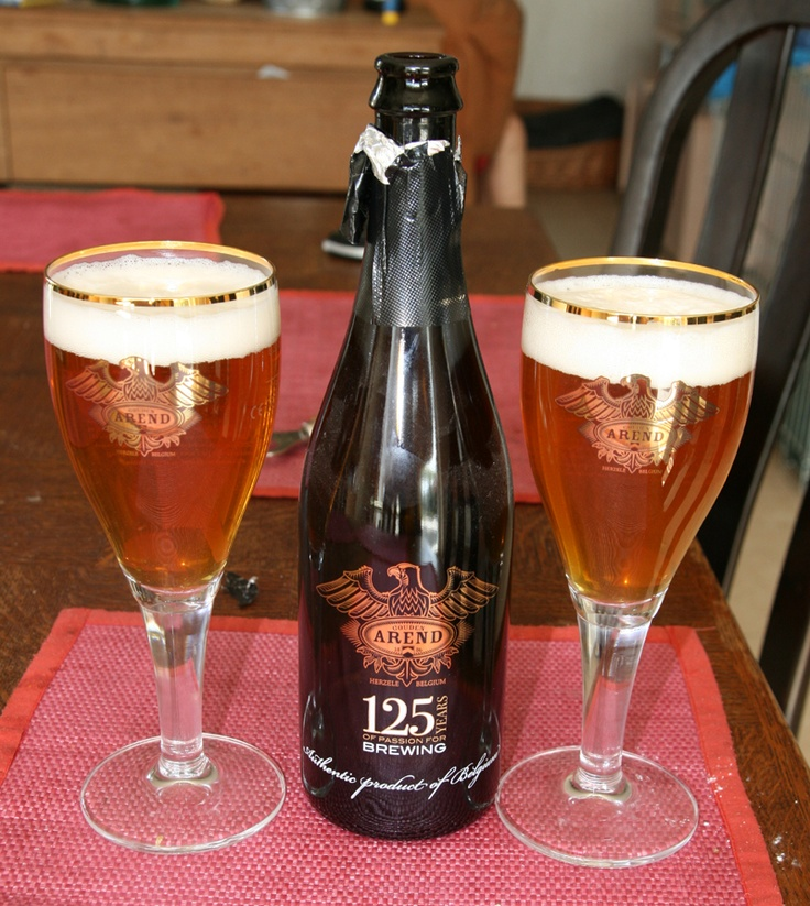 Gouden Arend 125 years, Brewery De Ryck Herzele, Belgium 8.5% 7/10 A goldblond beer with sweet aftertaste, the beer is special brewed for the brewery it's 125 b-day. And will be only available for 1 year. The bottle is a collector item with real gold printing of the logo.