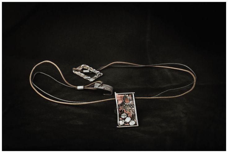 Collar Unisex con texturas en cobre y plata de AzulJoies en Etsy https://www.etsy.com/es/listing/516609290/collar-unisex-con-texturas-en-cobre-y