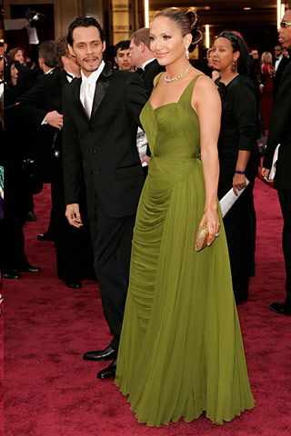 Jennifer Lopez reportedly paid $25,000 at a vintage shop for the dress she donned at last night's Oscars. The vintage green dress was design Jean Desses.