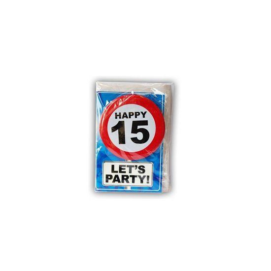 Happy Birthday kaart met button 15 jaar. Leuke verjaardagskaart voor een 15e verjaardag. Met stopbord button die de jarige zelf kan dragen.