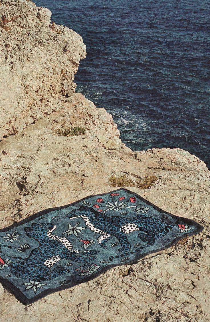 Hermès - towel in Les Léopards print