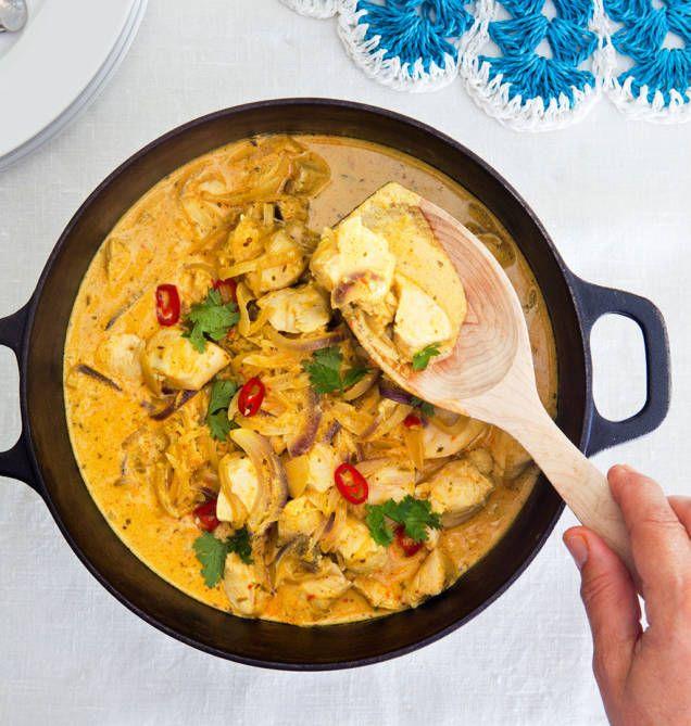 Lättlagad och supergod kycklinggryta. Här är ett enkelt recept på gryta med smak av curry men den går lätt att variera med andra kryddor.