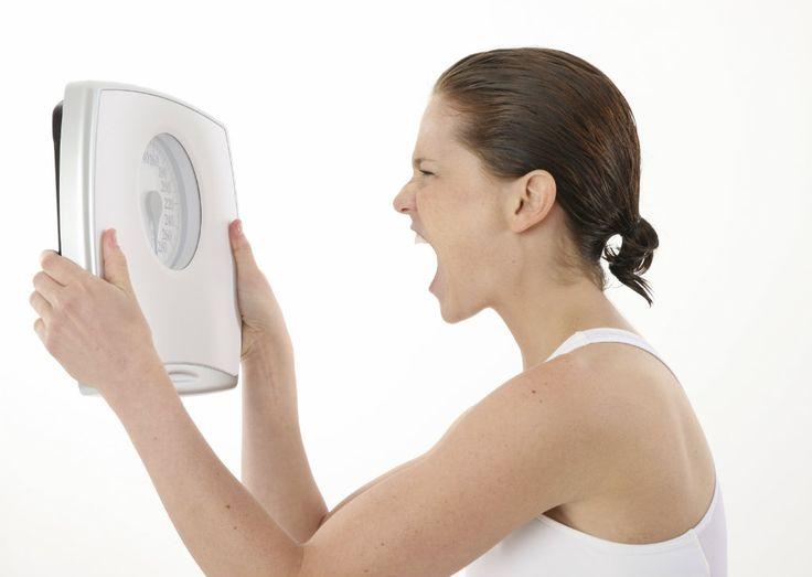 Kilo Alma Nedenlerini Biliyorusunuz ? Bazı insanlar kilo alırken, diğerlerinin kilolarını koruduklarını görüyoruz. Acaba neden böyle oluyor? Araştırmaların sonucunda, aşağıda sıralamaya çalıştığım faktörlerin önemli rol oynadıklarını görüyoruz. Yaşlanma ile Metabolizma Yavaşlar Genel bir kural olarak yaşlanmayla birlikte kişinin metabolizmasında yavaşlama ortaya çıkar. Bu yavaşlamaya uygun olarak da daha az kalori almak gerekir. Açıkça yaşın artmasıyla …
