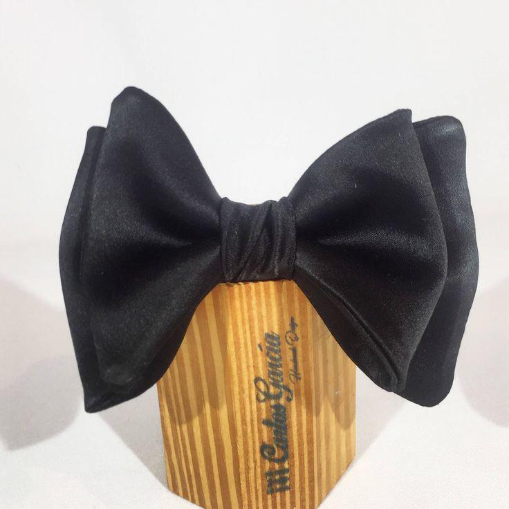 Un favorito personal de mi tienda de Etsy https://www.etsy.com/es/listing/547128226/pajarita-elegante-mariposa-rouge-noir