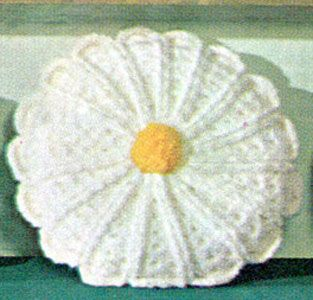 Daisy Pillow Pattern : vintage freebie pattern, love this! thanks so xox