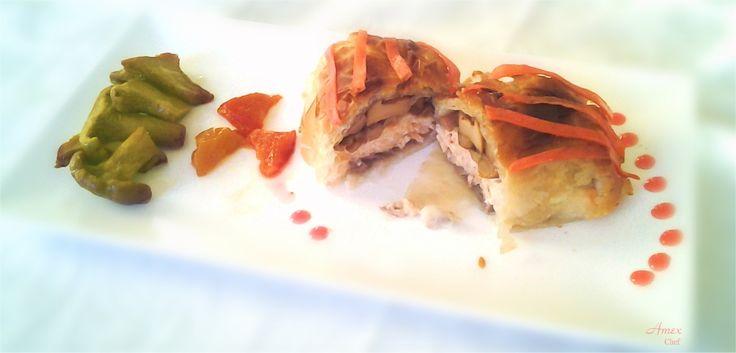 Fagottini di pasta phillo con salmone e finferli. - Phyllo pastry parcels with salmon and mushrooms. -  Ciasto filo rolki z łososiem i grzybami.- Phyllo wonton noodles with salmon and mushrooms. - Chiedi la ricetta! zapytać o przepis! ask for the recipe! info@del-italy.com www.del-italy.com