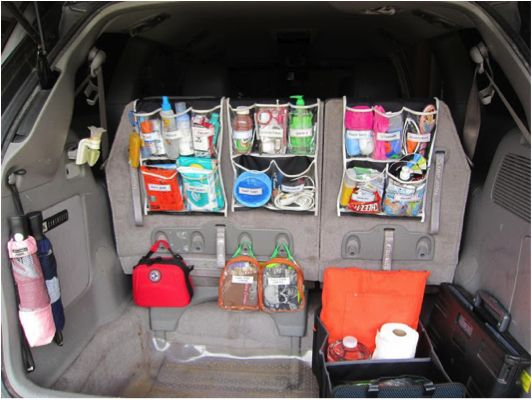 The BEST car orgaization tips- I'm totally doing the shoe rack trunk organizer!