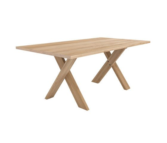 Oak Pettersson dining table by Ethnicraft | Restaurant tables