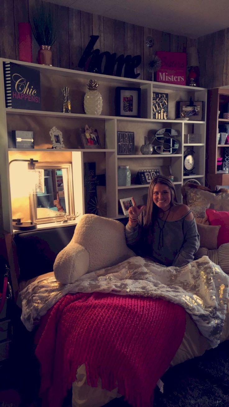 Best 25 Maroon Room Ideas On Pinterest Maroon Bedroom