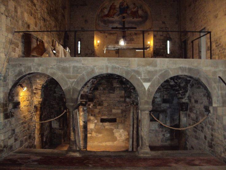 Altare situato sopra la cripta