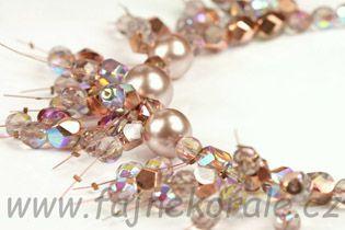 Střapatý náhrdelník z broušených perlí - fotonávod zdarma. Kateřina Kožušníková pro Fajne korále.