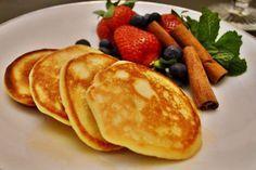 Panqueca de abóbora | 2 ovos, 1/3 xíc. purê de abóbora, 1 colh (sobremesa) farelo/farinha de aveia, canela e açúcar de coco (opcional) | #abobora #panqueca