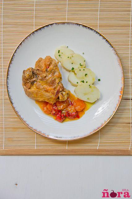 En casa tenemos la suerte de poder comer buen pollo que compro en mi pueblo. Es pollo de campo pero de una raza distinta a la que hay donde vivo, y que es significativamente mejor. De todas las car...