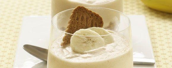 bananenmousse-met-speculaas - gedaan met 1 zakje agar-agar, 300 ml sojaslagroom, ipv deel eigeel no-egg - lekker!
