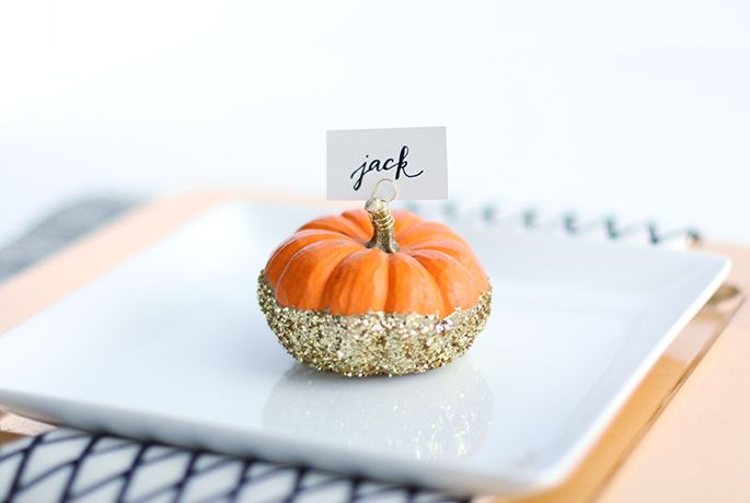 Spray Paint & Chardonnay: DIY: Glittered Pumpkin Place Card Holders