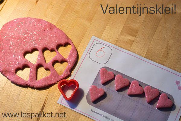 Zelf klei maken: Valentijnsdag klei - Lespakket - thema's, lesideeën en informatie - onderwijs aan kleuters