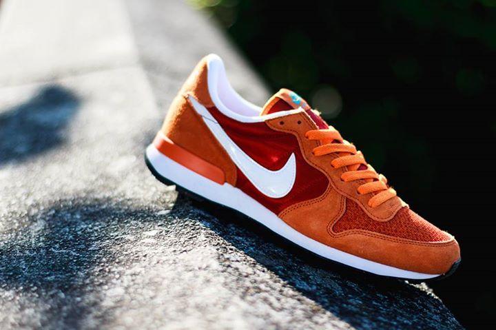 Nike Air Internationalist: Orange/Red | Snickers shoes ...