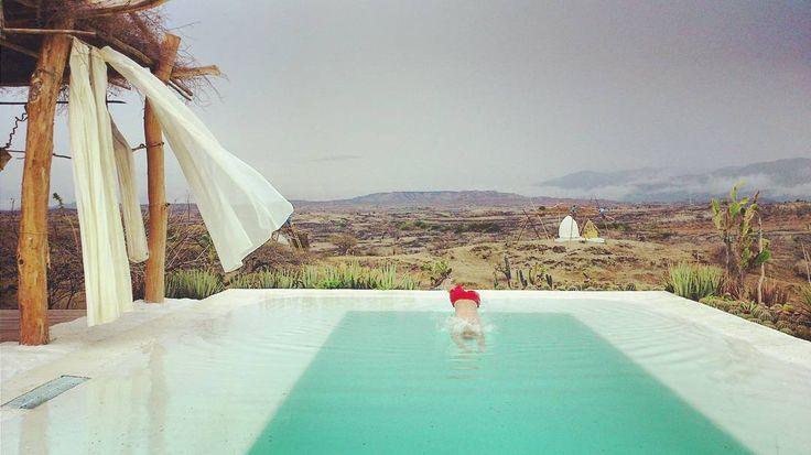 En orden de aparición: cielo montañas el desierto tropical mas grande del mundo cactuses yo de cabeza pileta con agua de manantial. #BethelBioluxuryhotel #paraiso #latucha @reytuk @latucha_lt #exotic #luxury by sebakrapp