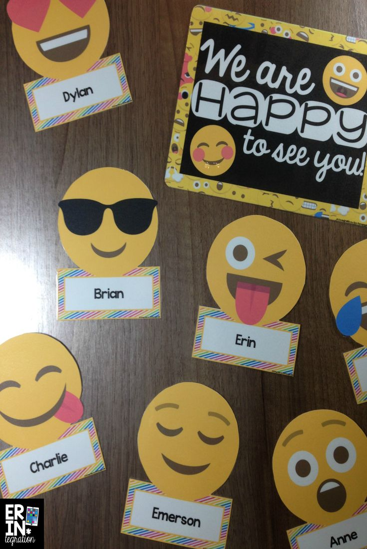 These 36 Emoji accents can be used for bulletin boards, classroom decor, name tags, labels, and more, and the text under each accent is editable - just click to type!