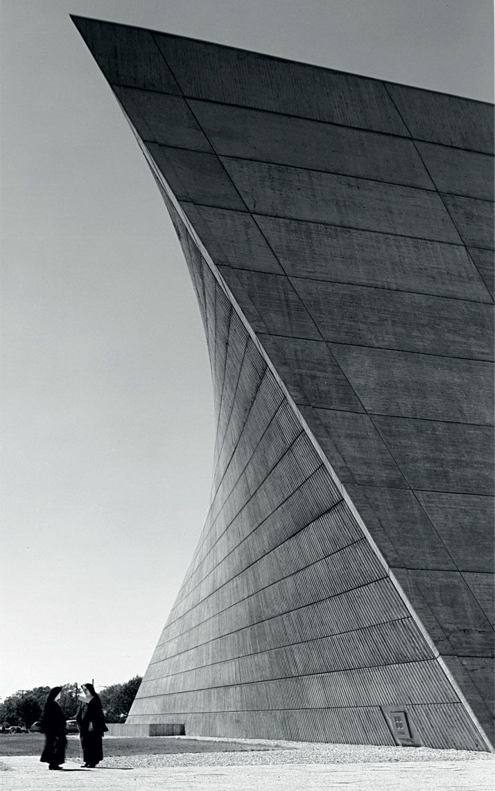 Church of St Francis of Sales. Muskegon, Michigan. 1964-1966. Marcel Breuer & Herbert Beckhard. Photo Hedrich Blessing