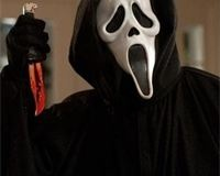MTV da luz verde a la serie de Scream  http://www.europapress.es/tv/noticia-mtv-da-luz-verde-serie-scream-20130426123031.html