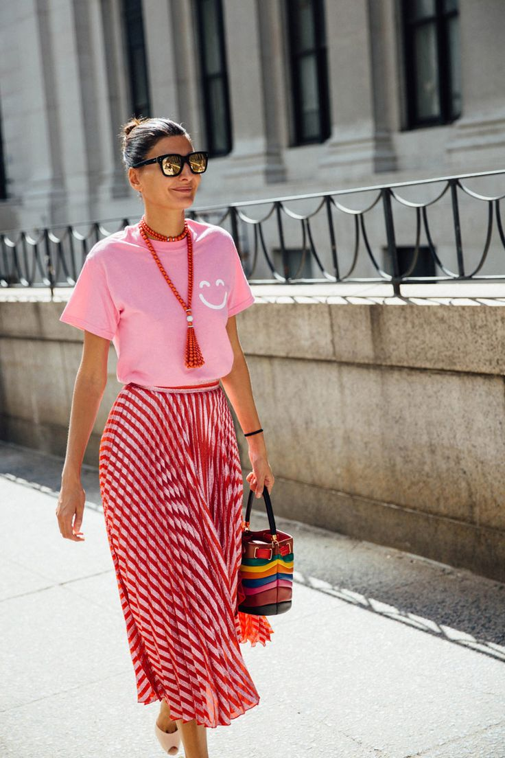 Red + pink | pink tee with red printed midi skirt + red beaded necklace