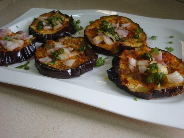 auberginen zubereiten scheiben zwiebeln