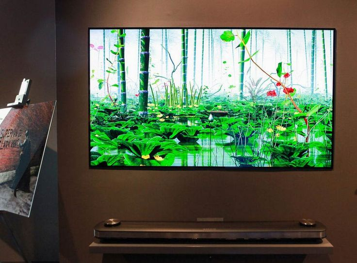 Mint kép a falon - falra simuló LG SIGNATURE OLED W7 televízió az LG-től