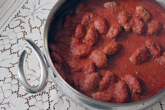 Soutzoukakia – Greek Smyrna Meatballs in Sauce