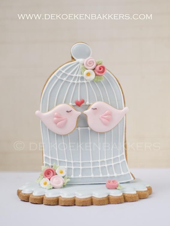 http://www.dekoekenbakkers.com/modules/photo_album/uploads/large/3d-birdcage-cookie.jpg