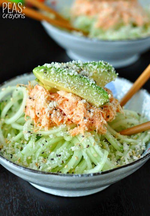 Salade de chair de crabe épicé concombre et avocat Spicy Sriracha Crab and Cucumber Salad
