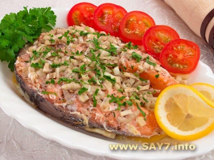 красная рыба запеченая с фенхелем и лимоном