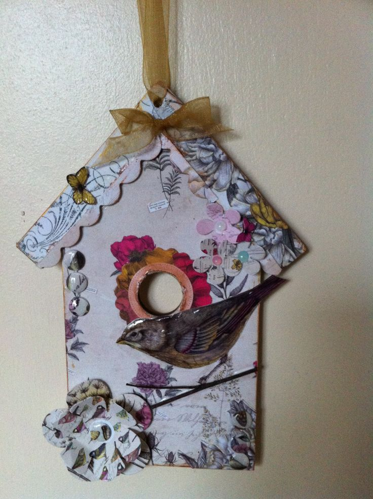 A bird box plaque decorated with Craftwork Cards Botanica.