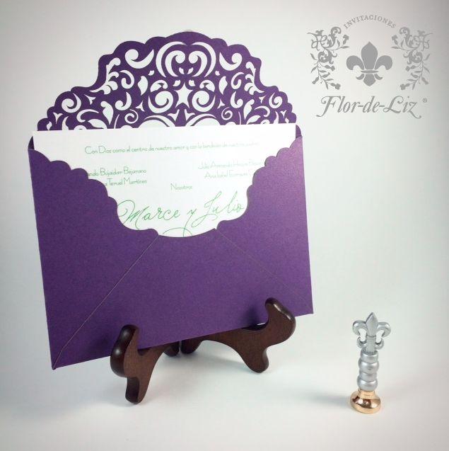de boda en corte lser para el decorado de encaje con el tono morado