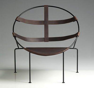"""poltrona """"FDC1"""" 1951 (81x81 ferro dipinto, cuoio) ) Flavio de Carvalho (Rio de Janeiro 1899 - Alinhos, san Paolo 1973)"""