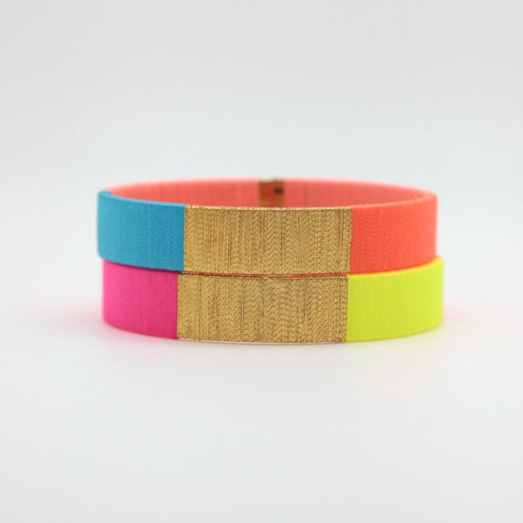 Bracelet Jonc Coloré  - Bracelet tissé à la main - Flashy et Fluo - Lilie & Koh par lilieandkoh sur Etsy https://www.etsy.com/fr/listing/240342611/bracelet-jonc-colore-bracelet-tisse-a-la
