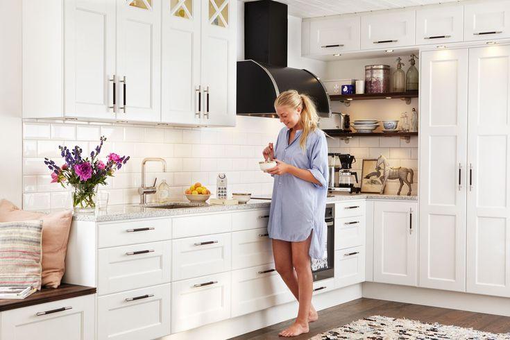 Nyfiken på vita kök? Köksserien Nordic från Ballingslöv finns i vitmålad ask. Klassiskt men modernt. Hitta din köksinspiration hos Ballingslöv!