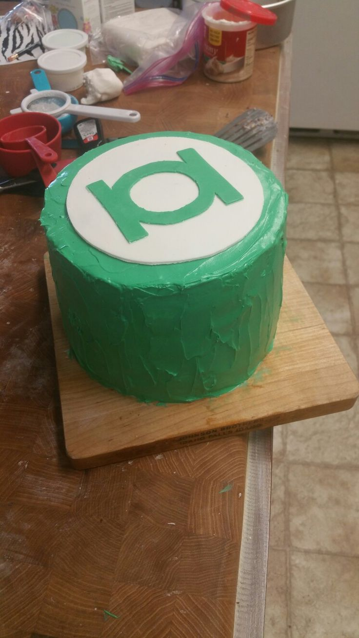 Green Lantern Cake Decorating Kit : Best 20+ Green lantern cake ideas on Pinterest