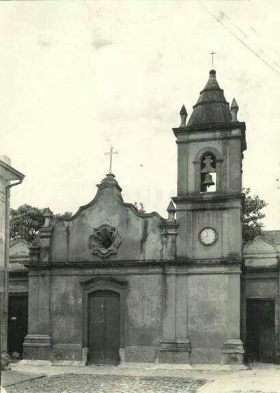 1939 - Capela dos Aflitos. Ainda presente na rua dos Aflitos, contruída em 1779 em taipa de pilão sofreu inúmeras mudanças que descaracterizaram sua construção inicial.